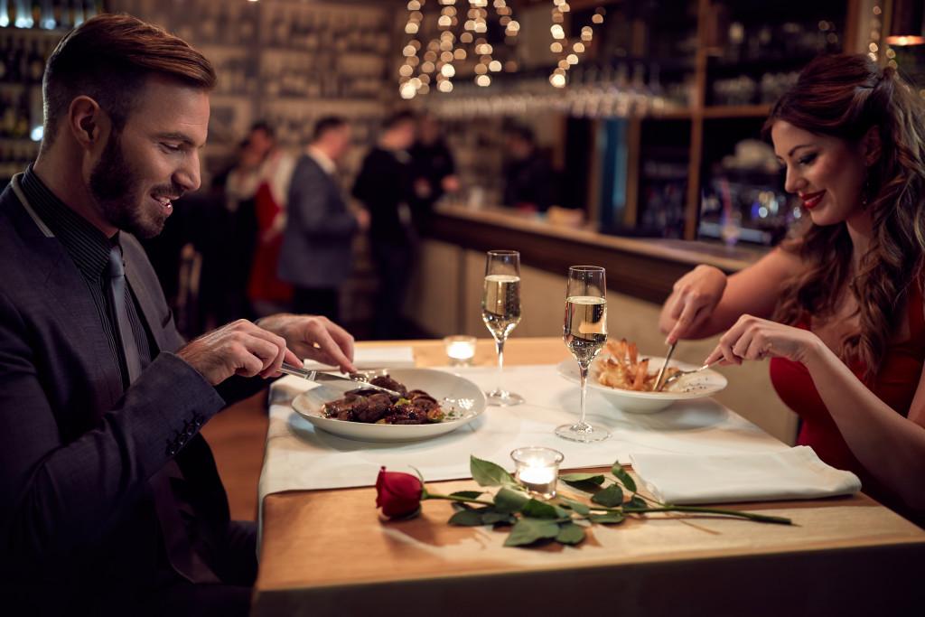 dinner date in a restaurant