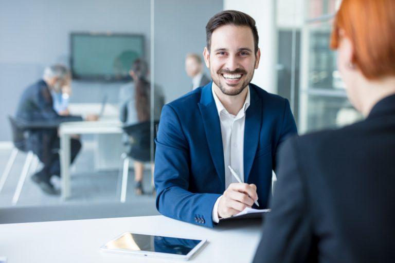 financer talking to client